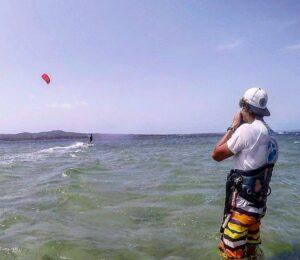Corsi Kite in Sardegna con KiteGeneration: Impara il Kitesurf in tutta sicurezza