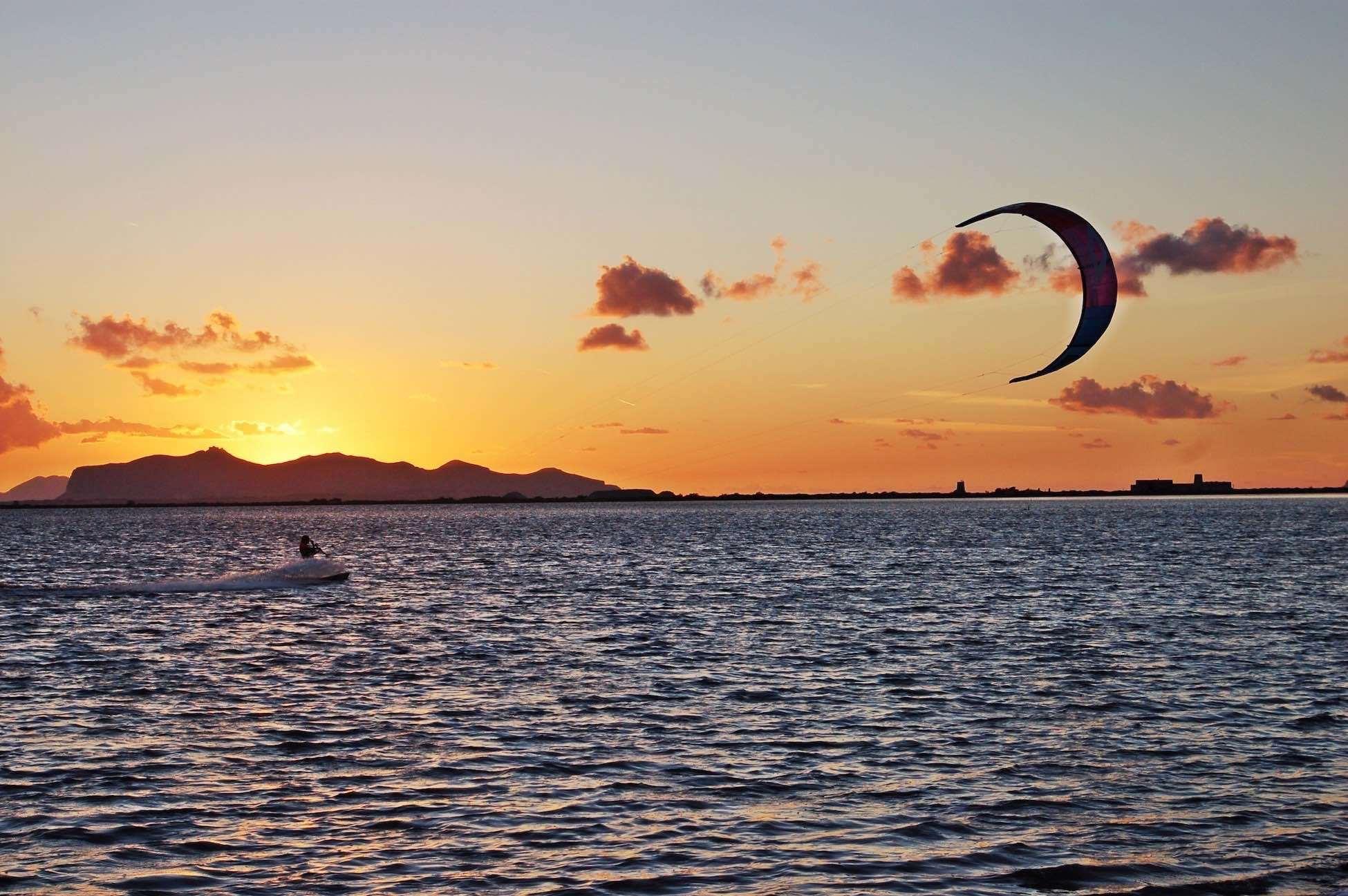 Kite allo Stagnone in Sicilia, uno dei migliori Kite Spot d'Italia